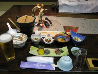 Hotel Kazurabashi meal around the irori hearth