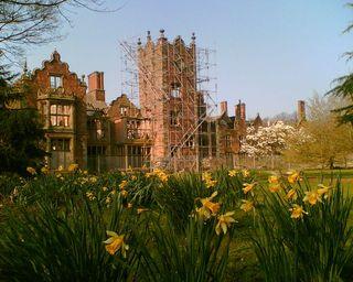 Daffodils and may at Bank Hall (Photo: J Howard, Wikimedia Commons)