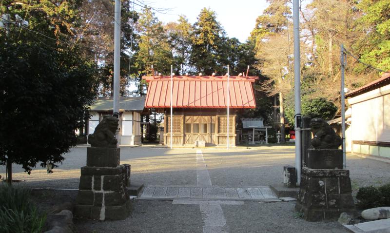 Usumochi Shrine shadow